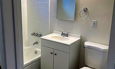 Bathroom, 821 N Eucalyptus Ave, 2