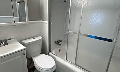 Bathroom, 1462 Lakeland Ave, 2