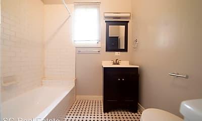 Bathroom, 743 Warfield Ave, 2