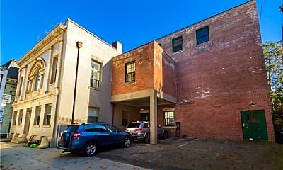 Building, 144 Spring St, 2