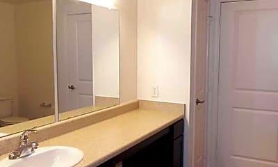 Bathroom, Millennium Mckinney, 2