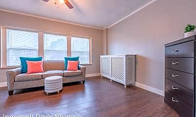 Living Room, 3323 Ingersoll Ave, 0