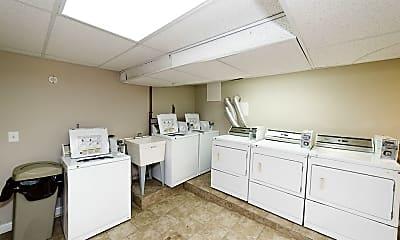 Kitchen, 431 W Belden Ave, 2