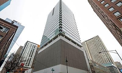 Building, 550 N St Clair St 2206, 0