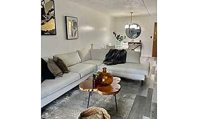 Living Room, 95 Nahant St, 0