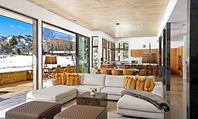 Living Room, 75 Overlook Dr, 1