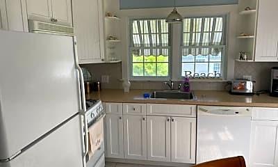 Kitchen, 606 Ocean Rd, 2