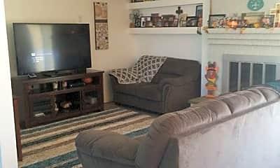 Living Room, 2008 Septiembre Dr, 1