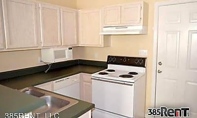 Kitchen, 1109 Greentree Ct, 2