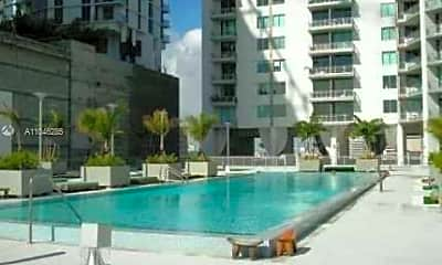 Pool, 690 SW 1st Ave 2301, 2