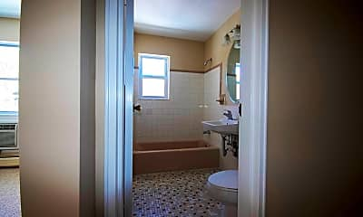 Bathroom, 37 Hill St C3, 2