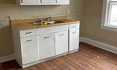 Kitchen, 12526 Union Ave, 2