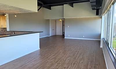 Living Room, 105 N 31st Ave, 1