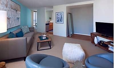 Living Room, 738 N Clark St, 0