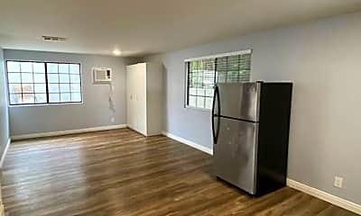 Living Room, 4025 Casita Way, 1