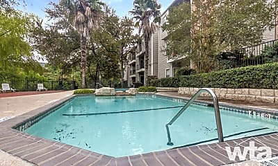 Pool, 2425 Cromwell Cr, 1