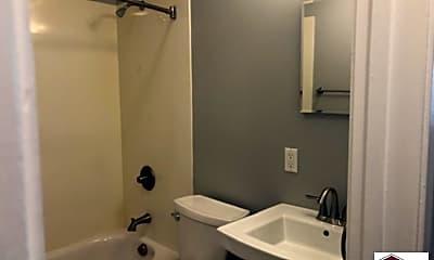 Bathroom, 1150 Lincoln Ave, 2