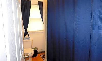 Bathroom, 30 Everett St, 2