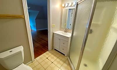 Bathroom, 149 Frambes Ave, 2