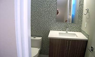 Bathroom, 416 N Alberta St, 1