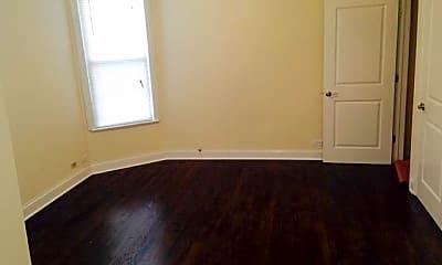 Bedroom, 2949 N Halsted St, 2