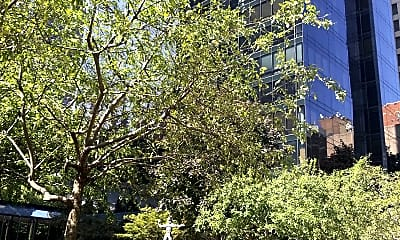 One Sutton Place North, 1