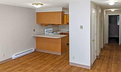 Living Room, 5200 Windsor Island Rd N, 2