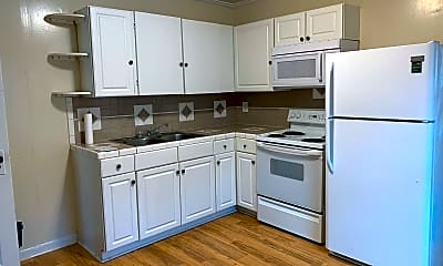 Kitchen, 908 Pichard St, 2