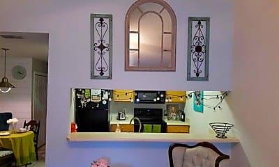 Living Room, 2740 W Tharpe St, 2