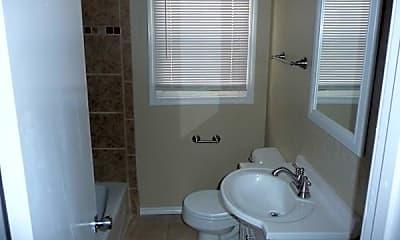 Bathroom, 704 NW 31st St, 2