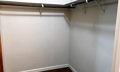 Bathroom, 512 Cliffwood Ct, 2