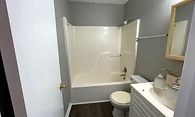 Bathroom, 3524 Albee Dr, 2