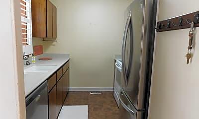 Kitchen, 122 Carmichael Ct, 1