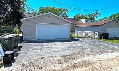 Building, 18017 Oakwood Ave, 2