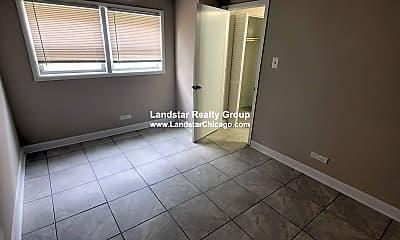 Living Room, 9612 Ivanhoe Ave, 2