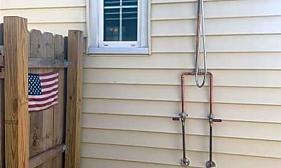 Patio / Deck, 125 N Portland Ave, 2