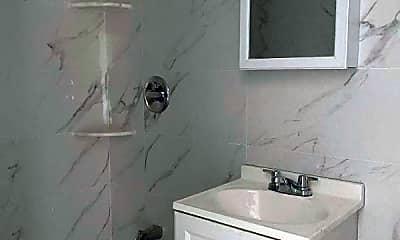 Bathroom, 988 Neill Ave, 1