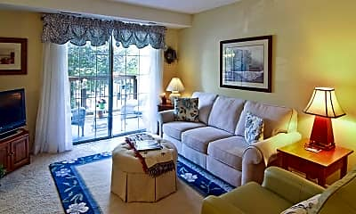 Living Room, Willow Woods Apartments, 1