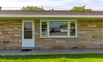 Building, 12523 Pennsylvania Rd, 1