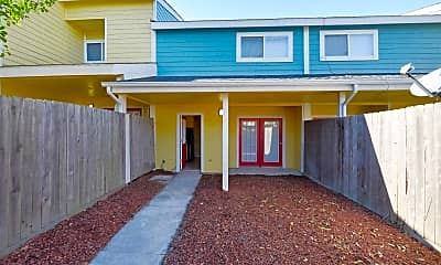 Patio / Deck, Roundhill Townhomes, 2