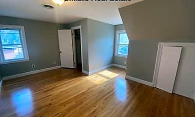 Living Room, 425 Trapelo Rd, 2