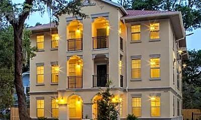 Centro Luxury Apartments, 1