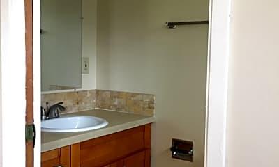 Bathroom, 4542 San Carlos Ave, 2
