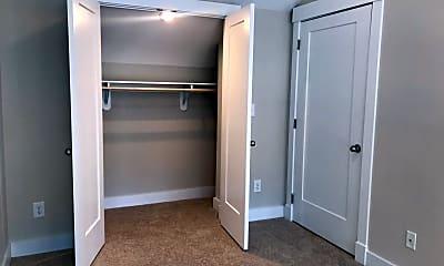 Bedroom, 303 Franklin St, 2
