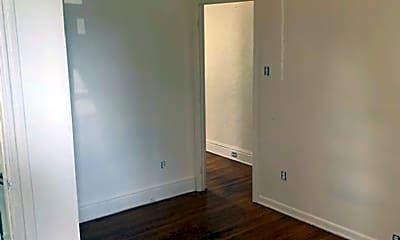 Bedroom, 814 W King St, 1