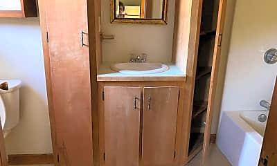Bathroom, 1 Franklin St, 1