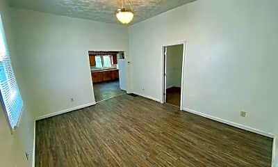 Living Room, 902 N Garvin St, 1