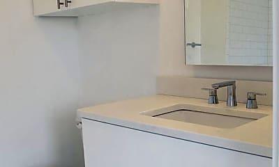 Bathroom, 436 NW 27th St, 2
