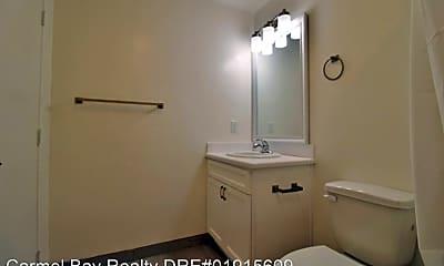 Bathroom, 366 Van Buren St, 2