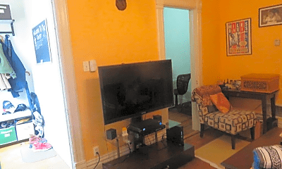 Living Room, 1623 N Hermitage Ave, 1